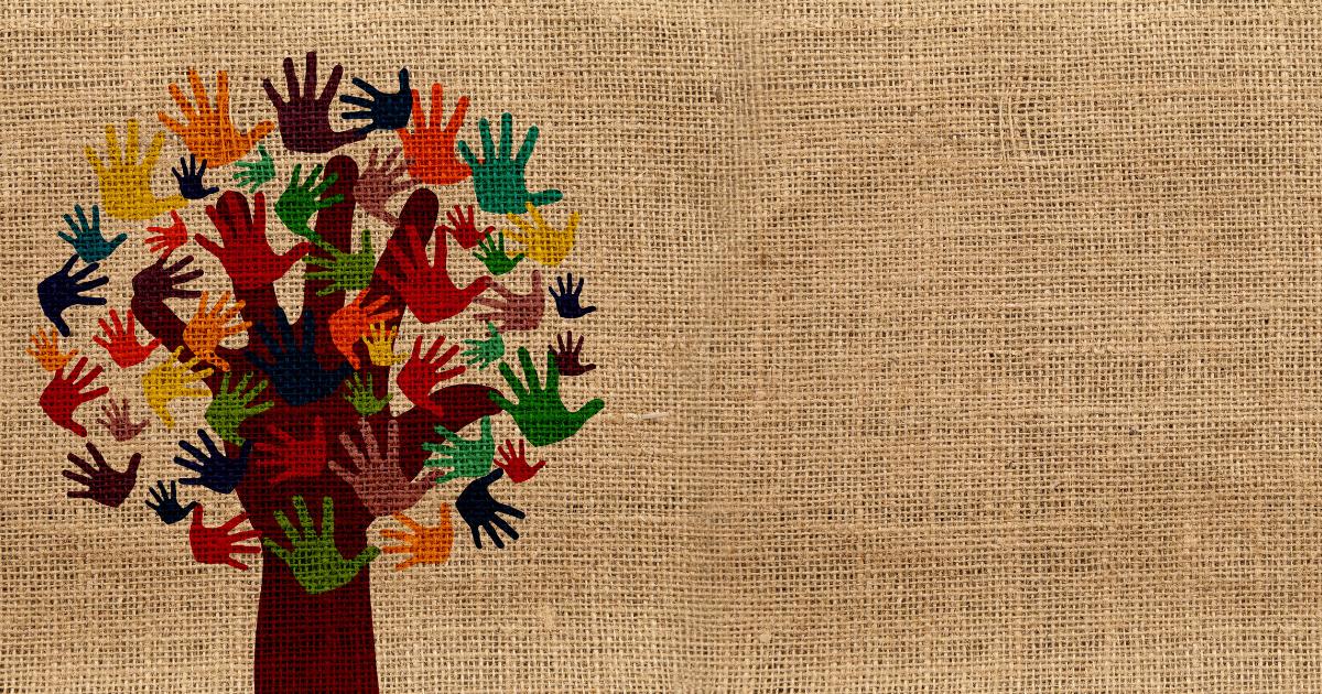 木に色々な色の手のひらが描かれたイラスト