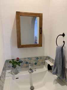 かわいいコラベルの洗面所