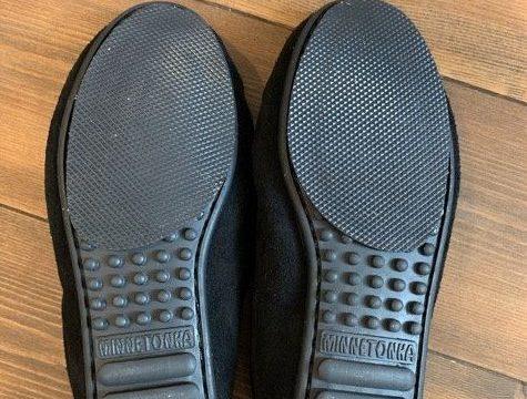 靴底を補強したミネトンカのモカシン