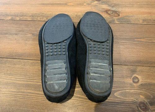 100均とシューグーで補修したミネトンカの靴底