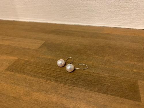 大振りの真珠のピアス