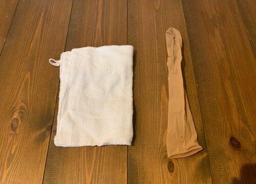 窓拭きに使う雑巾とストッキング