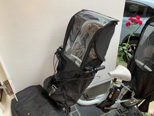norokkaノロッカの前座席用レインカバーを前座席に取り付けた状態